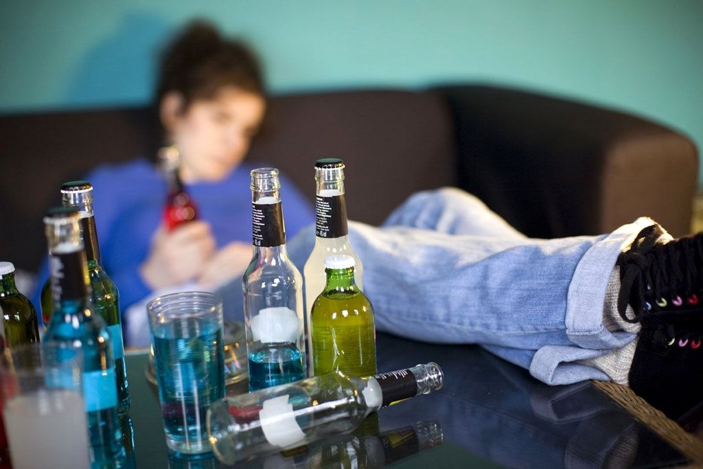 2017-01-30-causas-del-consumo-del-alcohol-en-menores-de-edad-a-tu-salud-001