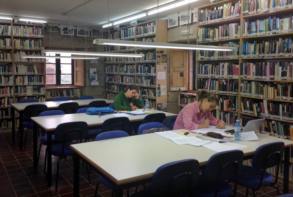 biblioteca-de-nigran-2