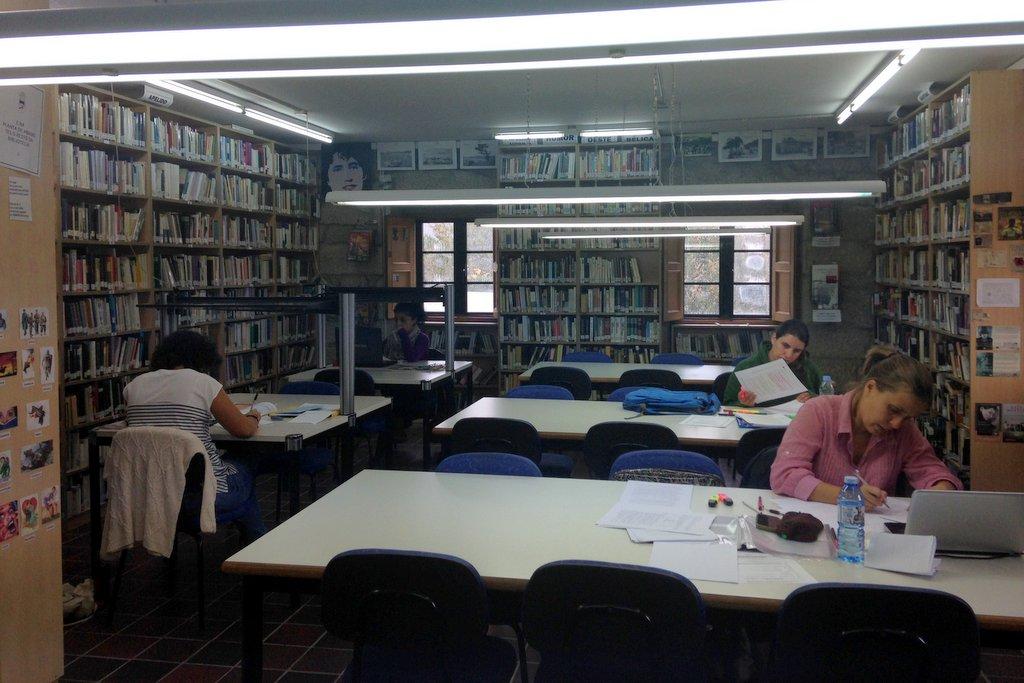 biblioteca-de-nigran-5