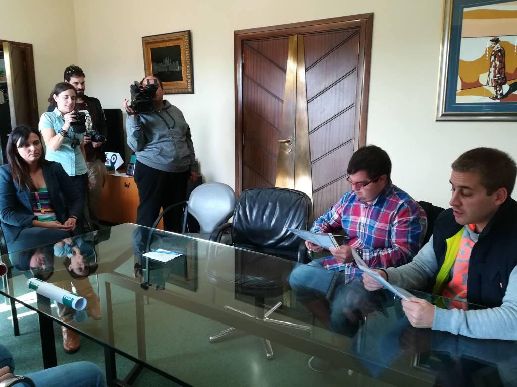 O CENTRO JUAN MARÍA PARTICIPA NA PEGADA NACIONAL DE CARTEIS #COMPRENDERELMUNDO