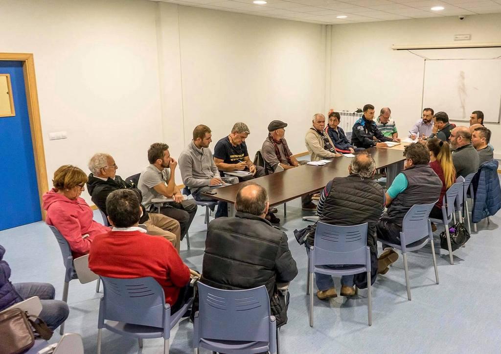 XUNTANZA COAS FORZAS DE SEGURIDADE E OS PRESIDENTES DAS COMUNIDADES DE MONTES DE GONDOMAR