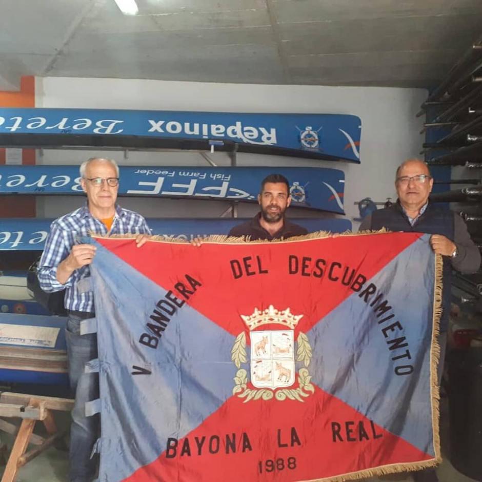 """REGATA DE TRAIÑEIRAS """"V BANDERA DEL DECUBRIMIENTO - BAYONA LA REAL"""""""