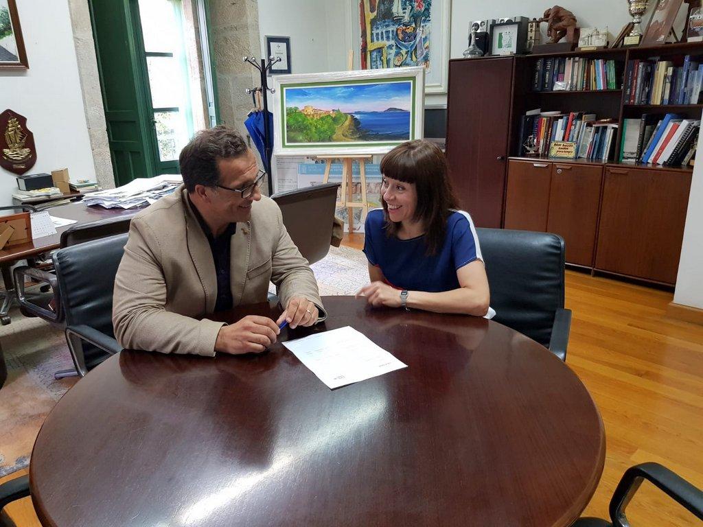 2018-06-18 – Alcalde y lula Goce en el despacho