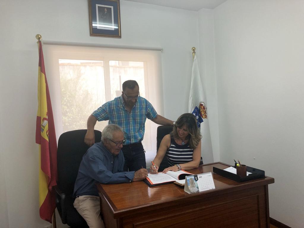 ÓSCAR CARREÑO CEDE A TESTEMUÑA A ANA PAULA GUNTÍN, A PRIMEIRA MULLER XUÍZ DE PAZ DE BAIONA