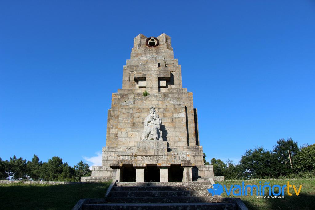 MONUMENTO Á MARIÑA UNIVERSAL EN MONTEFERRO
