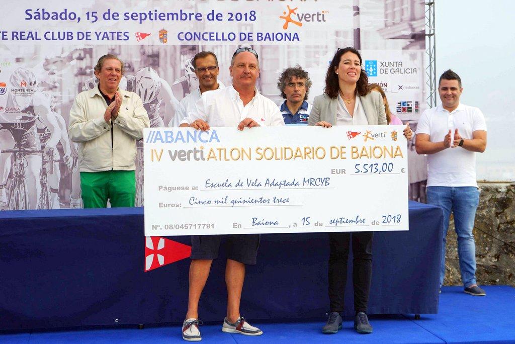 2018-09-15 – Momento de la entrega del cheque con el dinero recaudado – – Foto © Manuel Parada