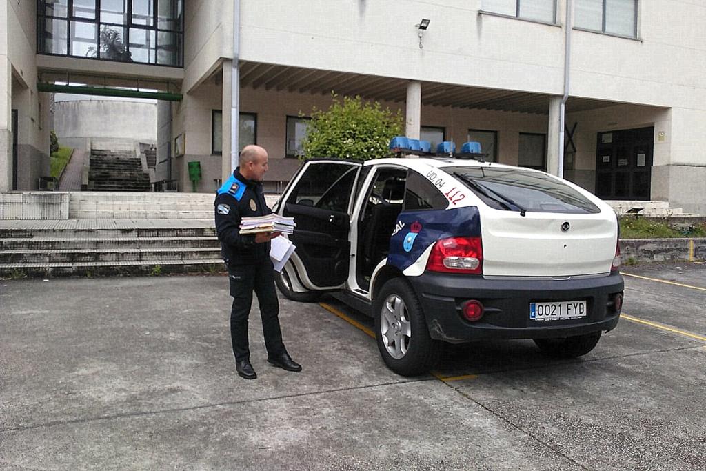 2020-04-23 – policia_local_entrega_material_escolar