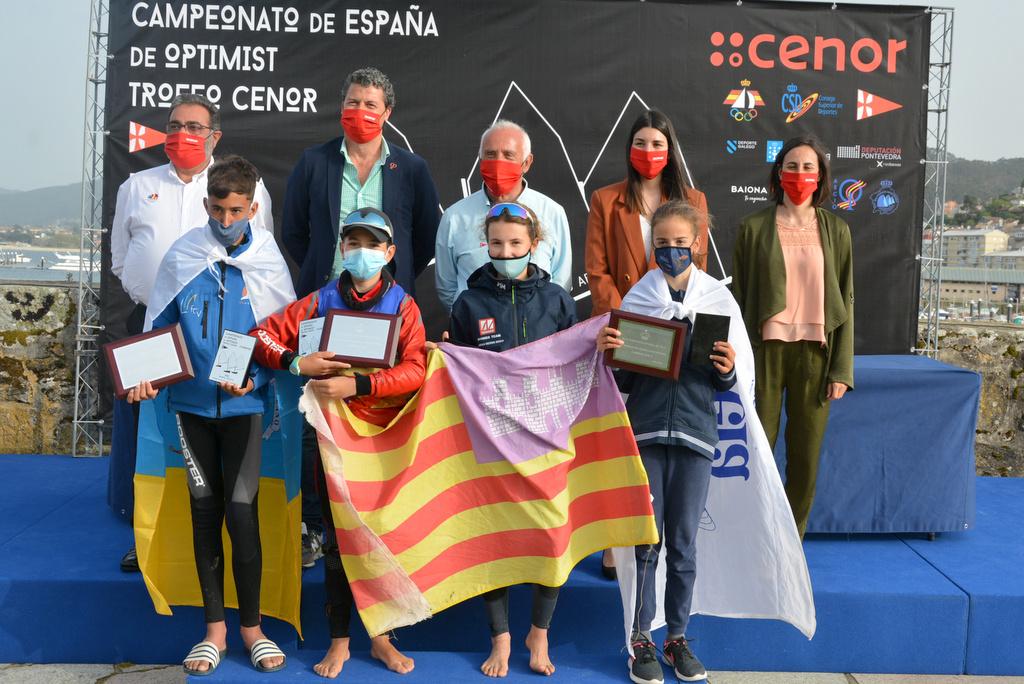 11-Nuevos campeones de España de Optimist – Foto © José Ramón Louro