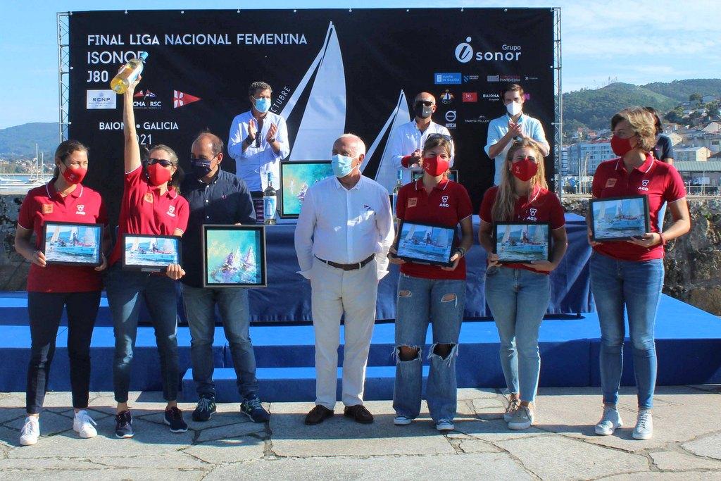 2021-10-10 – El AGD Desamiantados del Real Club Náutico de Palma logró el bronce en Baiona – Foto Leticia Acero