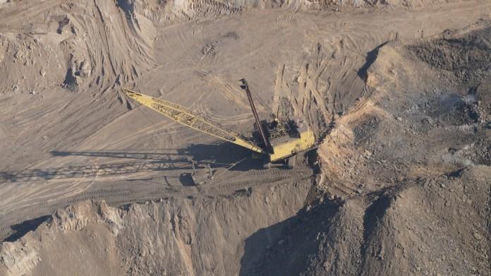 Los recursos naturales se agotan por los seres humanos