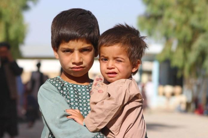 Diez millones de niños precisan ayuda humanitaria en Afganistán