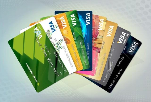 Un experto presenta las diferencias entre las tarjetas de crédito y de las tarjetas de débito