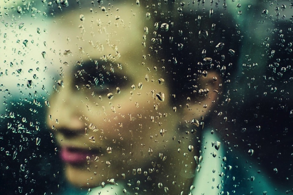 Génération X : Femme à une fenêtre