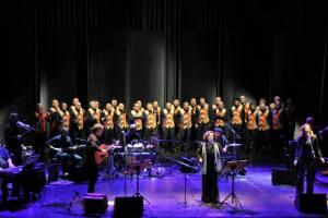 Il Coro S. Ilario con Antonella Ruggiero