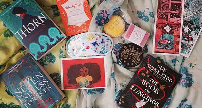 book-box-club-april-2020-cursed-kingdoms-unboxing