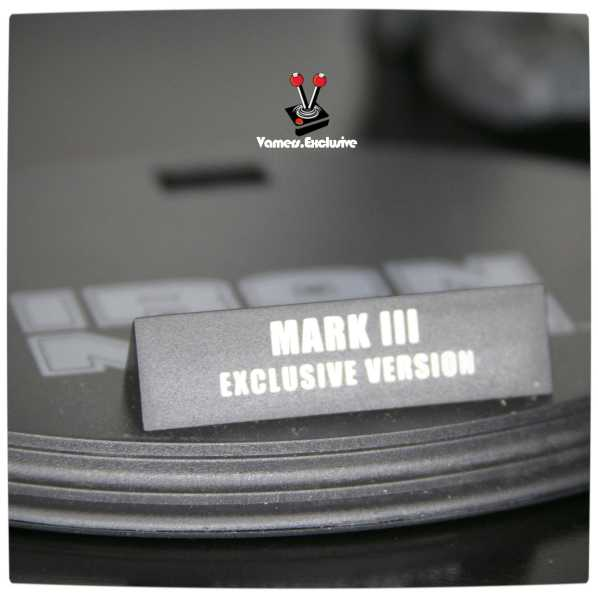 Vamers - Hot Toys - Limited Edition Collectible - Iron Man Mark III - SIlly Thing's TK Edition - MMS101 - Base Stand