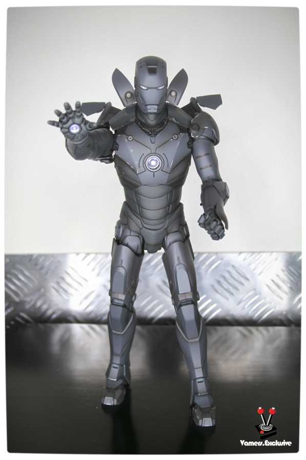 Vamers - Hot Toys - Limited Edition Collectible - Iron Man Mark III - SIlly Thing's TK Edition - MMS101 - Flaps Extended and Arc Reactor Engaged - Full Body