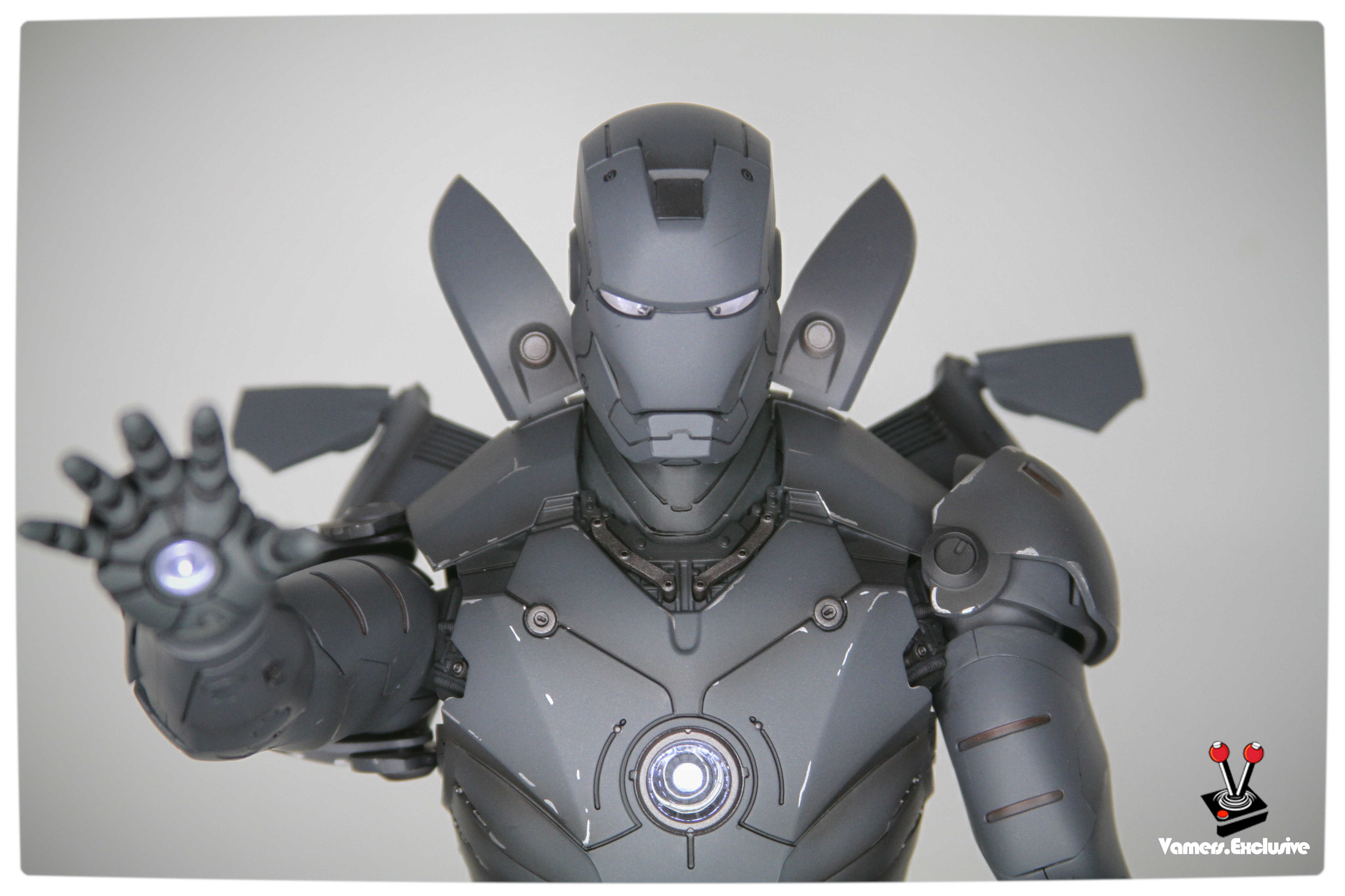 Hot Toys Iron Man Mark Iii Silly Things Tk Edition Vamers
