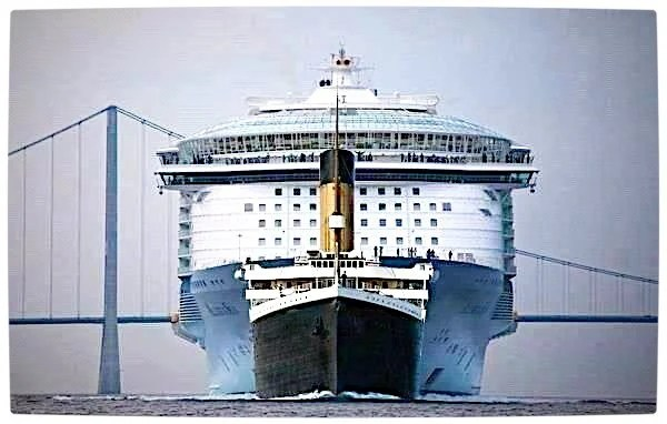 Vamers - Ermahgerd - The Titanic is Dwarfed by Modern Cruise Ships - Titanic Comparison