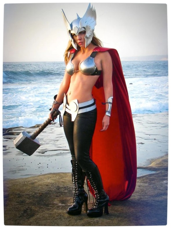 Vamers - Geekosphere - Thorsday - Toni Darling Gender-Bends Thorsday - Toni Darling as Thor 06