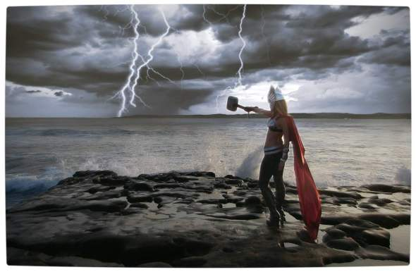 Vamers - Geekosphere - Thorsday - Toni Darling Gender-Bends Thorsday - Toni Darling as Thor 10