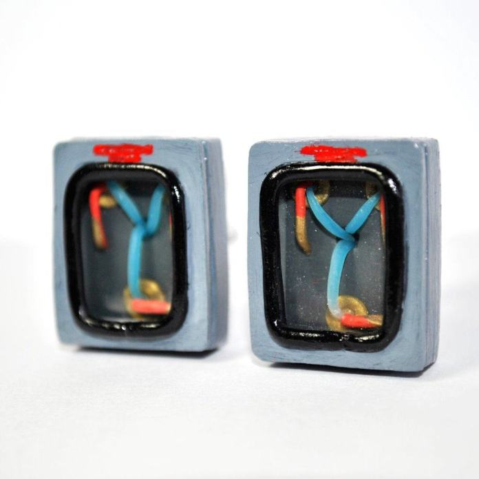 Vamers - Geekmas Gift Guide - Back to the Future Fllux Capacitor Cufflinks