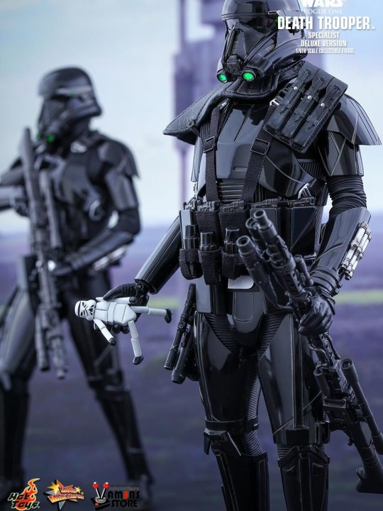 Vamers Store - Hot Toys - MMS399 - Disney's Star Wars Rogue One - Death Trooper Specialist (Deluxe) - 1