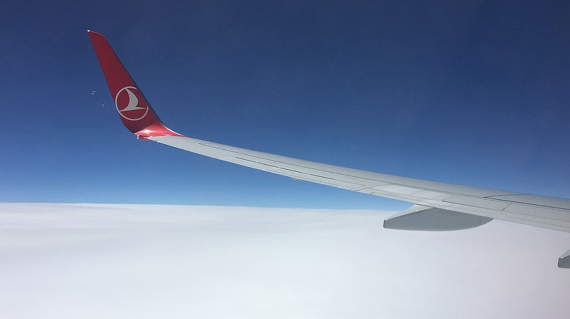 Avião Turkish Airlines no ar