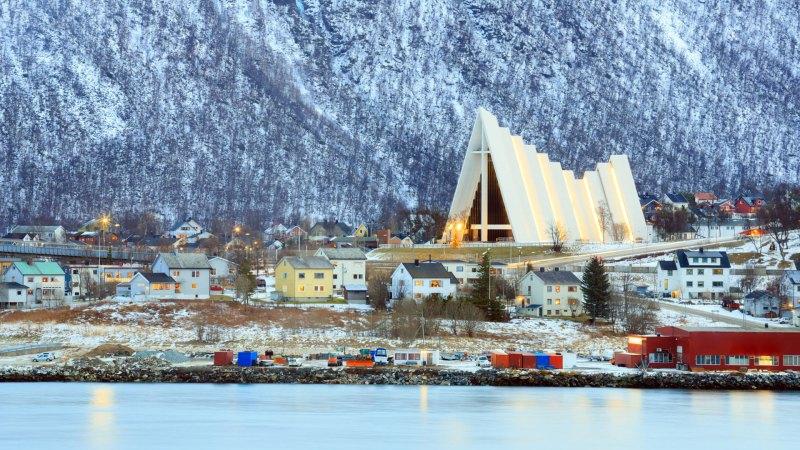 Tromso, uma das cidades mais lindas e importantes da Noruega - País mais feliz do mundo