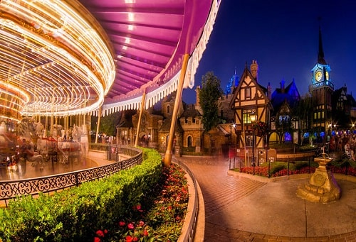 atracciones en Disneyland para subir de noche