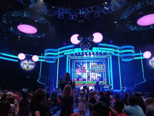 Disney Junior Dance Party niños pequeños en Disneyland