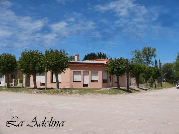 """CLAROMECÓ: Casa y Depto """"La Adelina"""""""