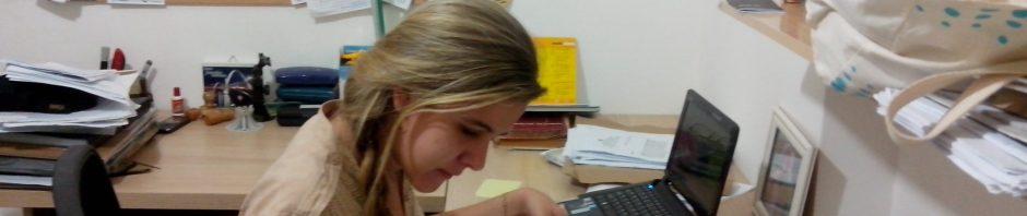 Garota estudando