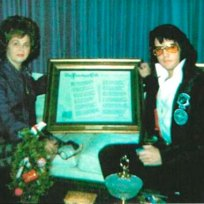 Janelle McComb e Elvis Presley