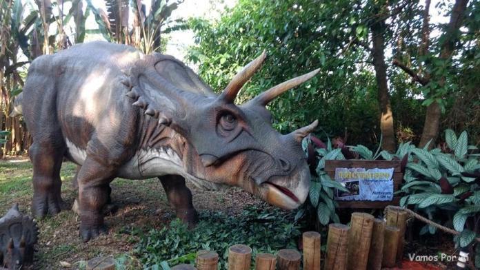 como é o Vale dos Dinossauros, Foz do Iguaçu
