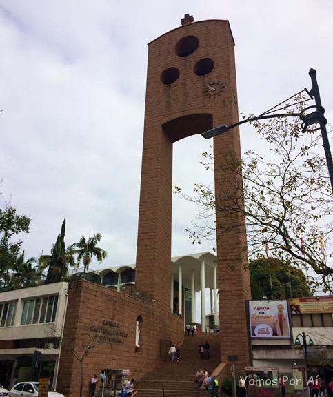 Catedral São Paulo Apóstolo: roteiro em Blumenau