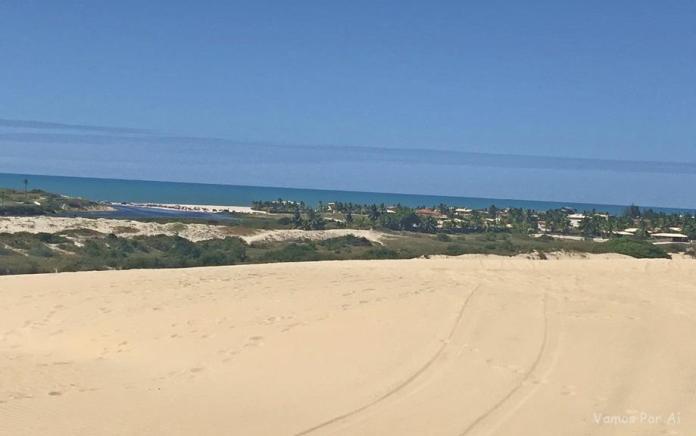 Dunas na Praia de Morro Branco CE
