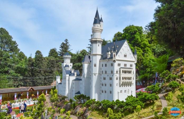 Castelo de Neuschwanstein em miniatura no Mini Mundo, quanto custa o ingresso para o Mini Mundo
