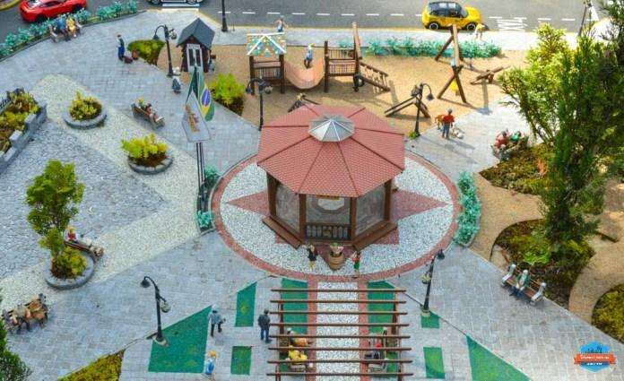 Turma do Chaves no parque de miniaturas Mini Mundo em Gramado