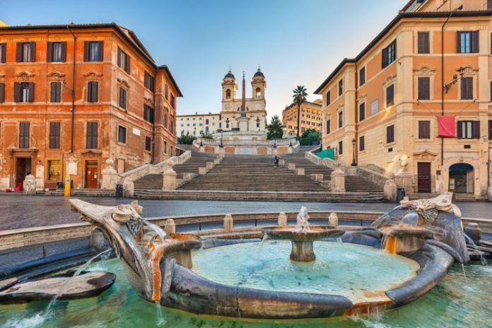 Piazza di Spagna, Praça da Espanha em Roma, lugares imperdíveis em roma