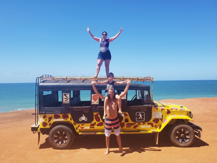 passeio de jeep na praia de jeep