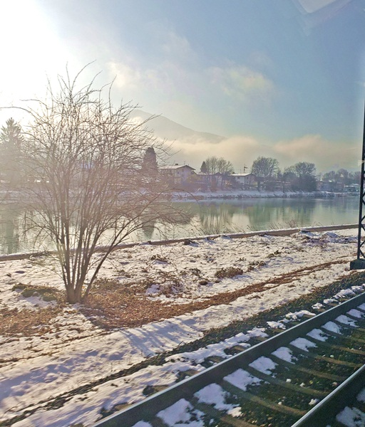 Paisagens da Viagem de trem entre Viena e Innsbruck na Áustria, vantagens de viajar de trem