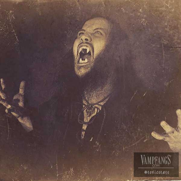 vampfangs-werewolf-classic-fangs-scarecrow