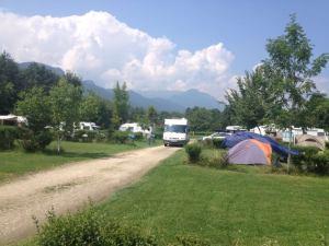 bine ati venit la camping brasov romania bran