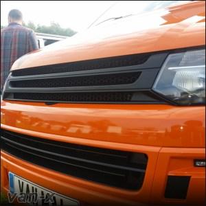 MATTE BLACK Badgeless Grille for Volkswagen T5.1 *CLEARANCE* [B Grade] -7946