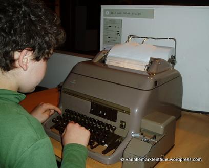 Philip verstuurt telexbericht