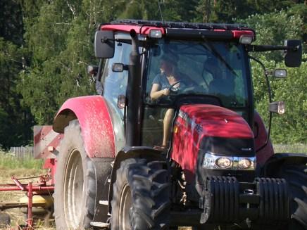 mina ja traktor 2