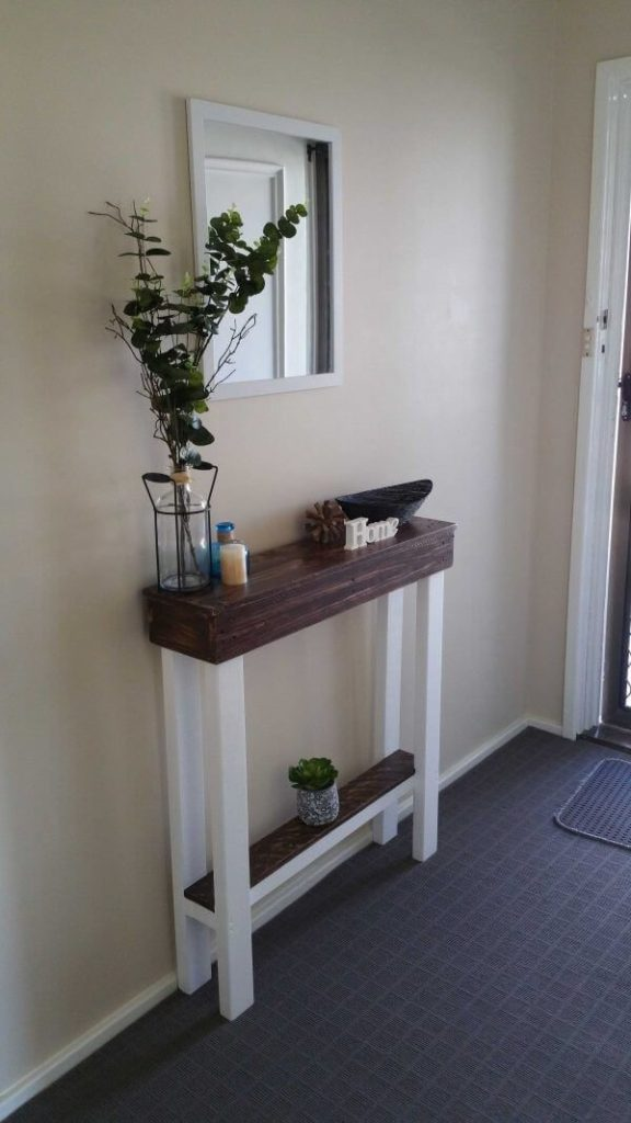 Simple and Small Entry Table Ideas