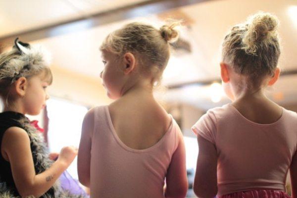little girls in dance classes for kids