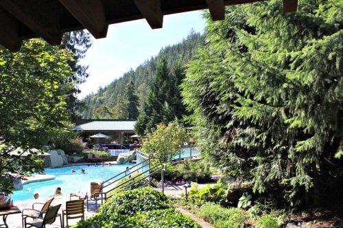 weekend getaway Harrison Hot Springs Resort, outdoor pool